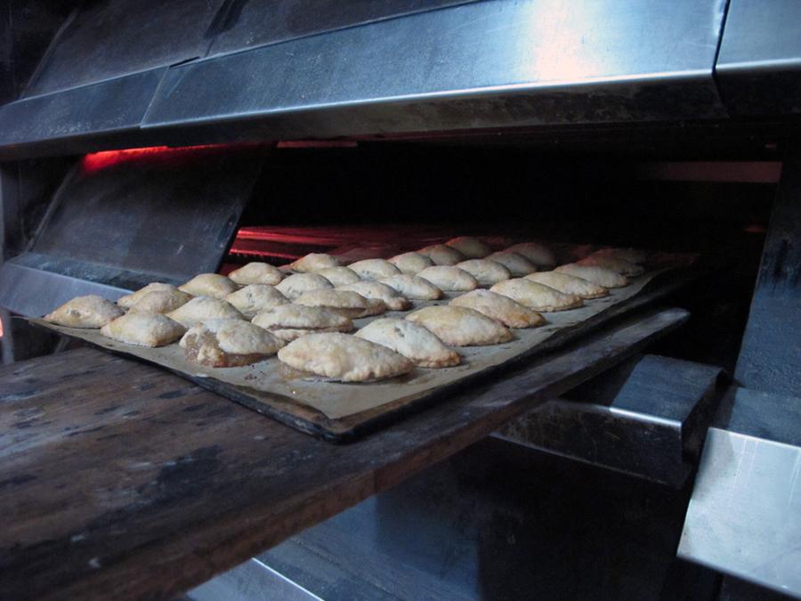 Los pasteles de boniato, de origen árabe, son un dulce típico de la Comunidad Valenciana.