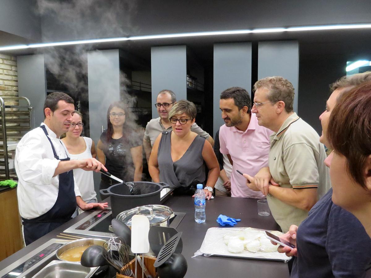 Clases De Cocina | Arrancan Los Cursos De Cocina De Ricard Camarena Lab