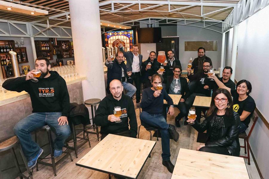 El Mercado de Colón acoge un nuevo espacio: Las Cervezas del Mercado by Bierwinkel
