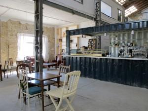 La Fábrica de HIelo está ubicada en el barrio de El Cabanyal (Valencia)