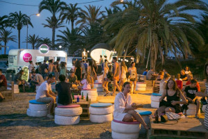 Solmarket: 21 días de food trucks y ocio en la playa del Puig