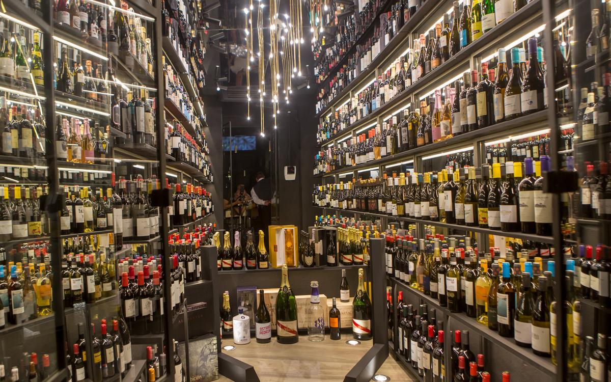 El Restaurante Vicentino celebra su V aniversario en Valencia con una carta más fresca y atrevida
