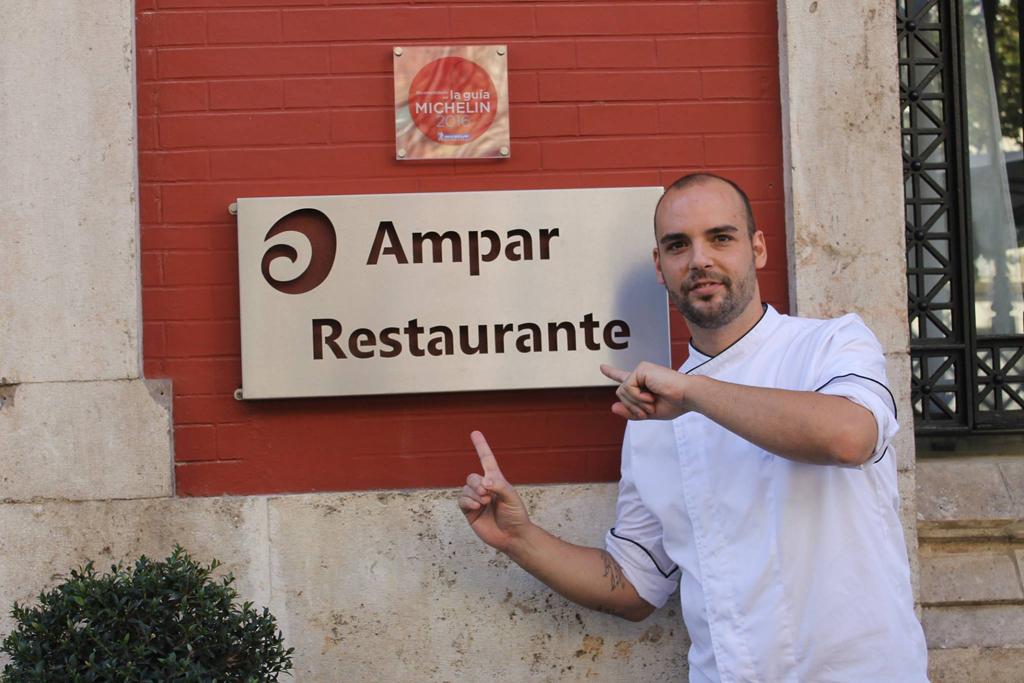 Carlos Julián, chef del restaurante Ampar en Valencia.