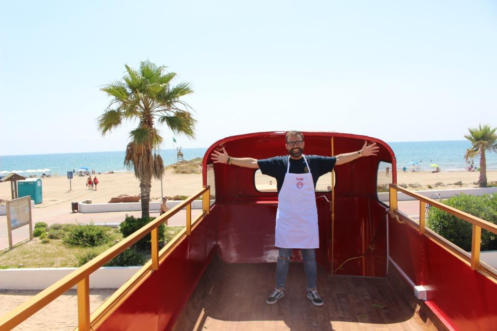 Toni Carceller y su food truck El Esbirro