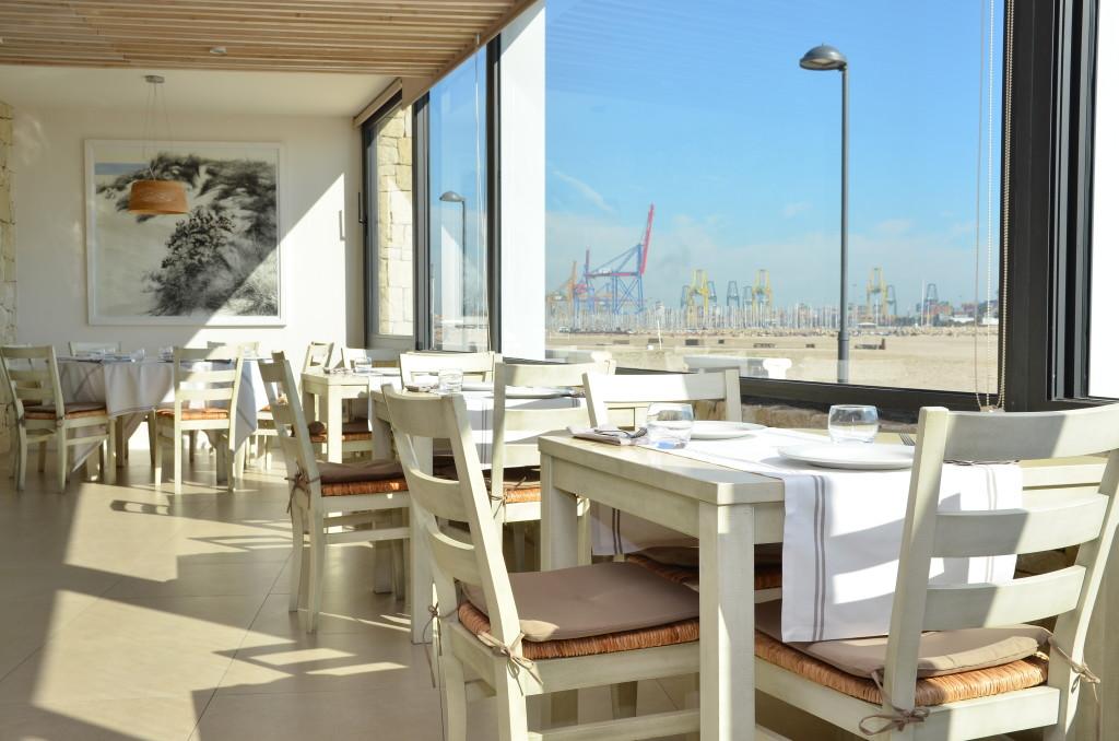 Restaurante La Ferrera en la Playa de Pinedo.