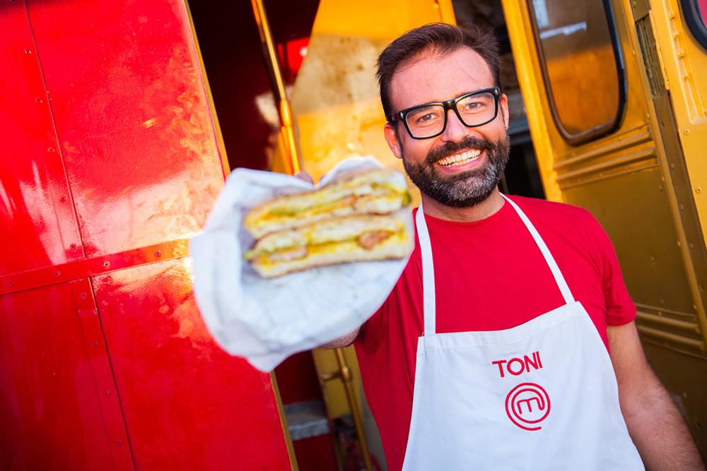 Toni Carceller fomenta la cultura del almuerzo desde su food truck