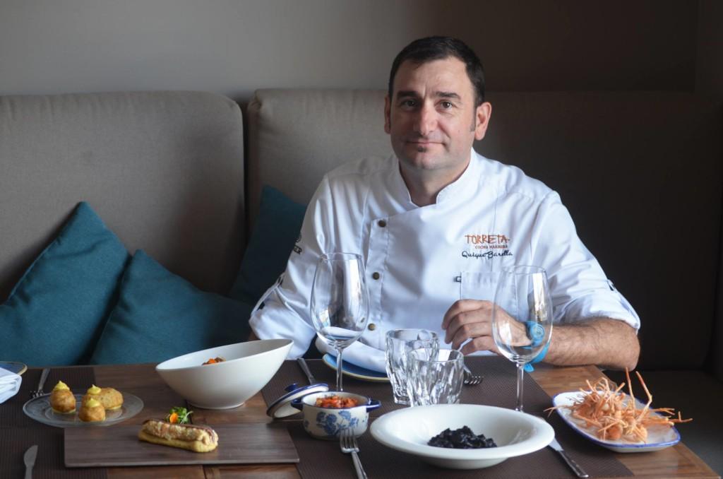 El chef Quique Barrella está al mando de los fogones en el restaurante Torreta Patacona